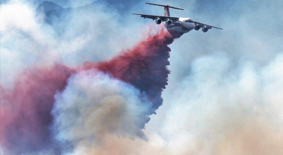 Highlands Ranch Colorado Chatridge Fire wildfire smoke slurry bomber plane