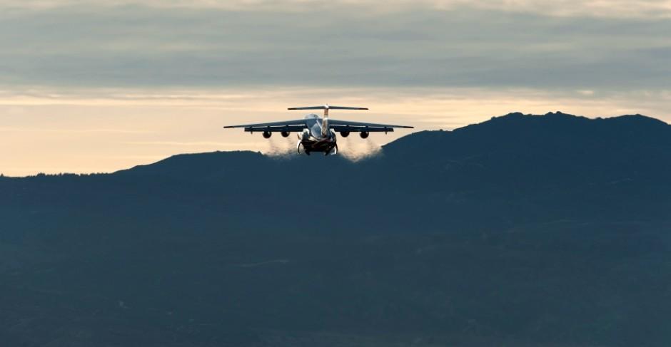 RJ flying away horizon shot