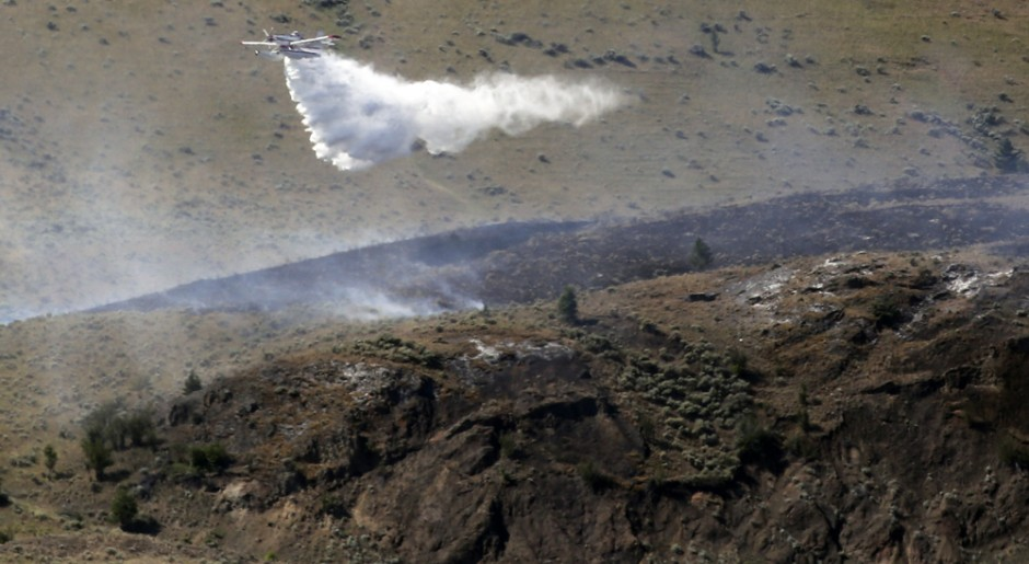 bombing-mission-flats-wildfire_9390-copy-Allen Douglas